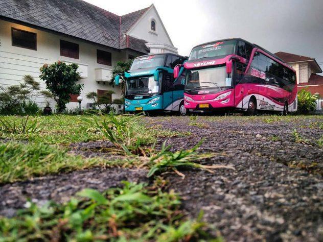 Sewa bus shuttle ke dieng